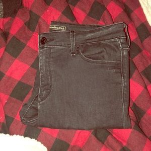 Abercrombie and Fitch Midrise Jeans 28